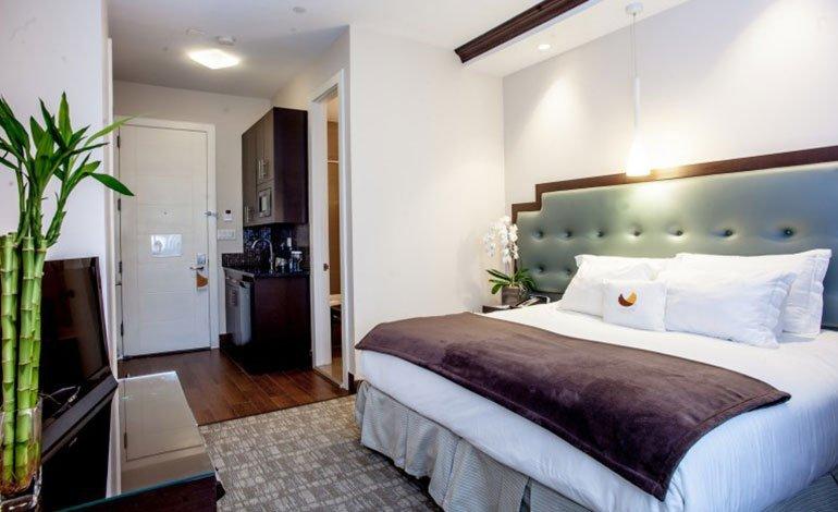 King-Bedroom-Kitchen