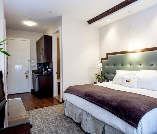 King-Bedroom-Kitchen1